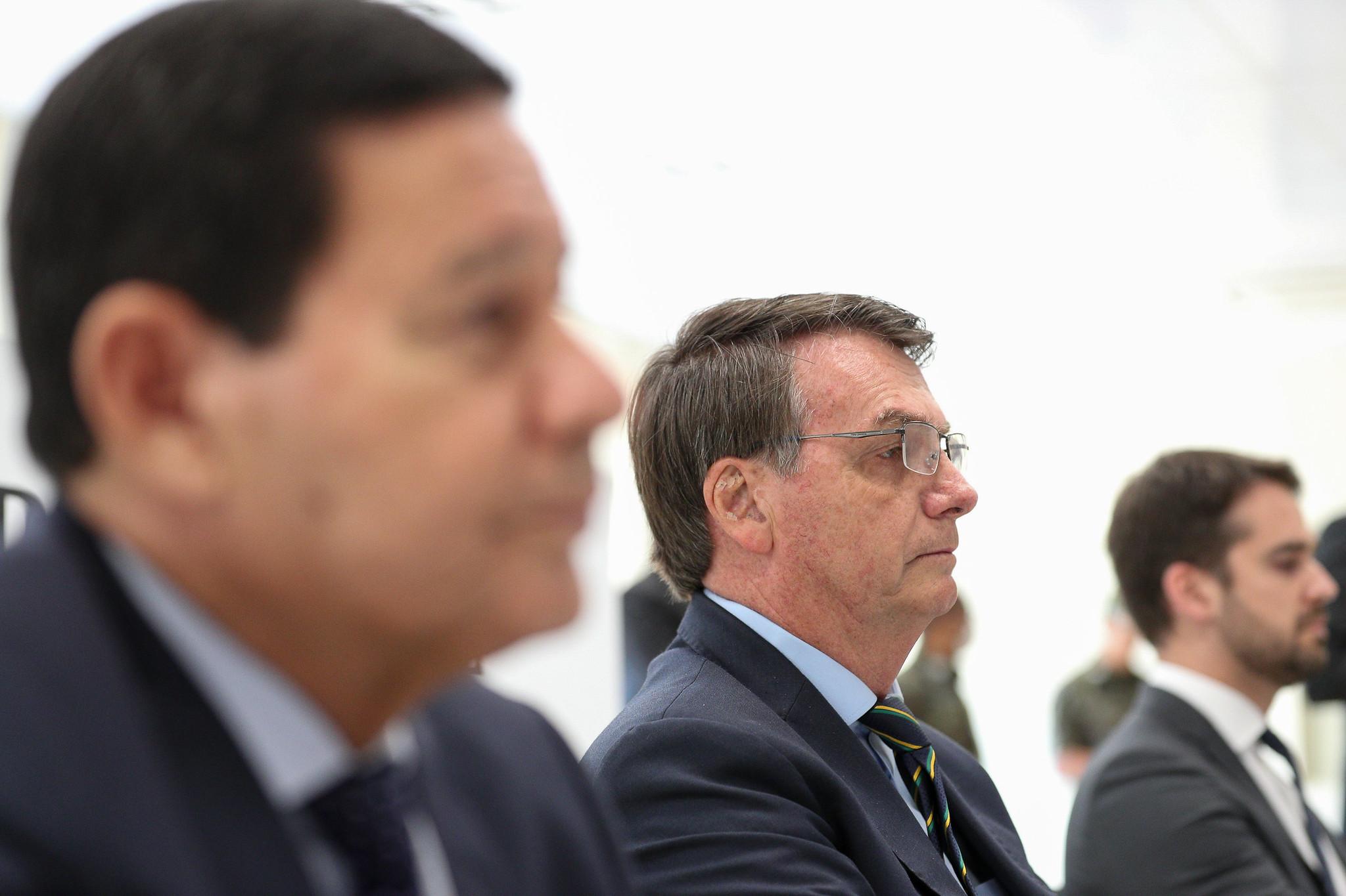 30.04.2020 - Porto Alegre/RS - Jair Bolsonaro durante visita ao Centro de Operações de combate ao COVID-19 do Comando Militar do Sul. Foto: Marcos Corrêa/PR