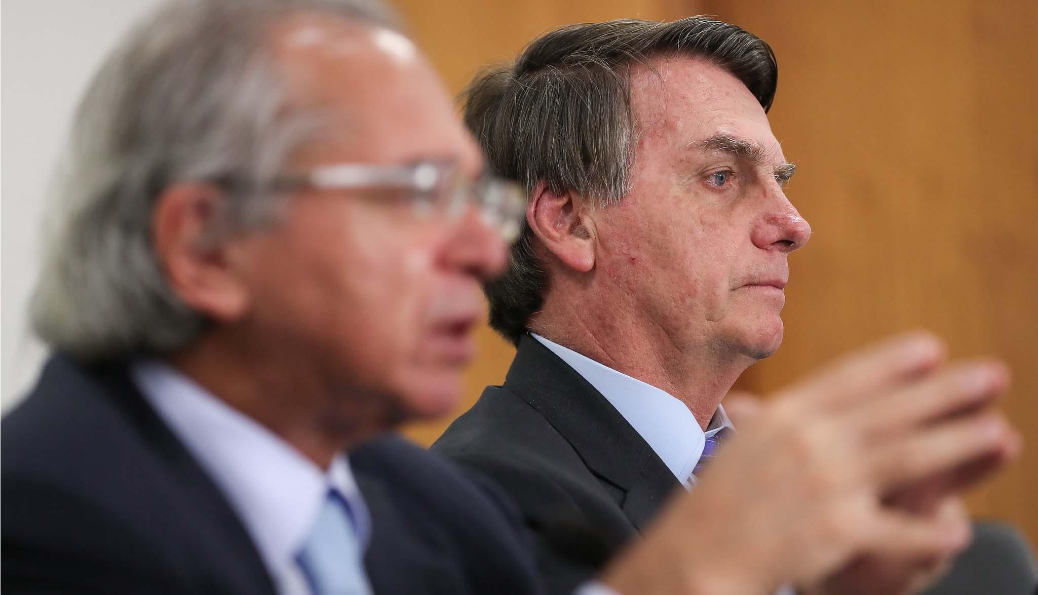 03.06.2020 - Brasília/DF - Presidente Jair Bolsonaro durante reunião com a Deputada Carla Zambelli (PSL:SP) e empresários do estado do Ceará. Foto: Marcos Corrêa/PR