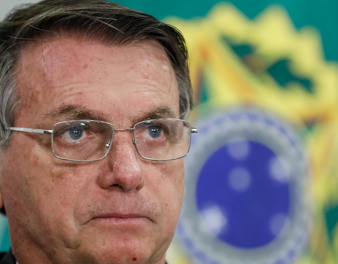 10.06.2020 - Brasília/DF - O presidente Jair Bolsonaro, Paulo Guedes durante videoconferência. Foto: Isac Nóbrega/PR