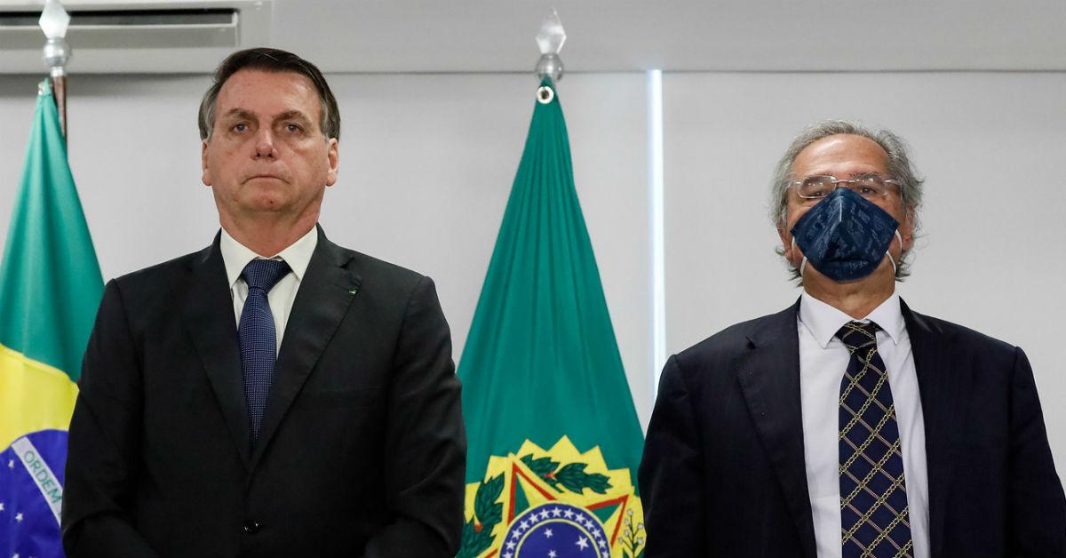 10.06.2020 - Brasília/DF - Jair Bolsonaro e Paulo Guedes participam de videoconferência. Foto: Isac Nóbrega/PR